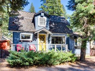 Dog-friendly; steps from golf, Kings Beach, & restaurants, Tahoe Vista