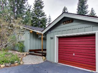 Private & cozy single-level home w/ trail access!, Tahoe City