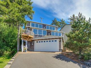 A gorgeous home with great views and quality throughout!, Pacific City
