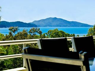 Ocean Views! Poinciana 101, Hamilton Island