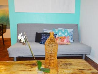 New Blue wave one bedroom apartment Cottage 1, Miami Beach