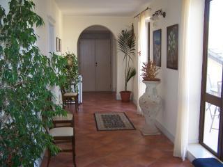 CASA MANZELLA.camera matrimoniale con colazione, Terrasini