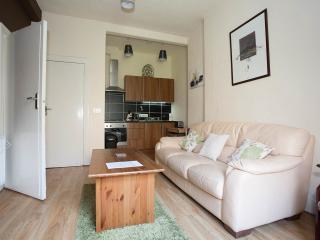 Cozy Flat opposite to Holyrood Park, Edinburgh