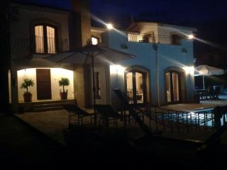 Relax by the pool in the evening. The lighting allows safe access for dining and swimming at night.