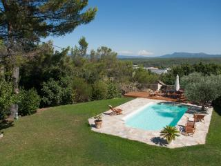 Amazing view ! Great house to gather in Provence
