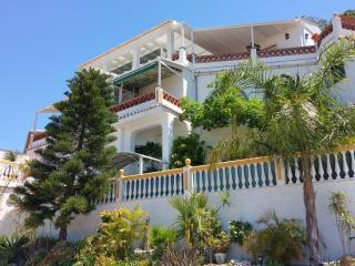 Luxus Apartment, privado Pool, Vista Mar, WiFi