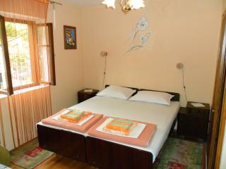 Room1, Selce