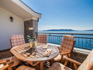 Villa Arca Adriatica, relaxing abiance on balcony, amazing sea view
