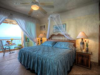 Ocean front Fabulous 2bedroom 2 bathroom condo .