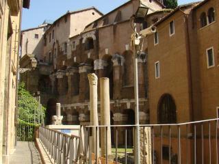 Historic beautiful flat , NAVONA , Piazza Venezia, Rome