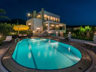 Amazing Villa with sea view and 6km from the beach, Rethymnon