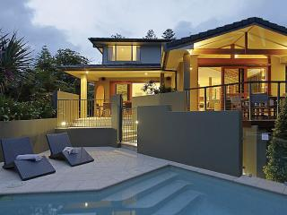 BYRON  |  Byron Bay Beach Houses