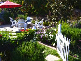 Stunning garden retreat in the heart of Encinitas.