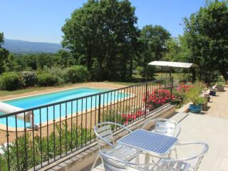 Luberon Vacation Rental with Private Pool, WiFi, Fabulous Views, and Walk to Village