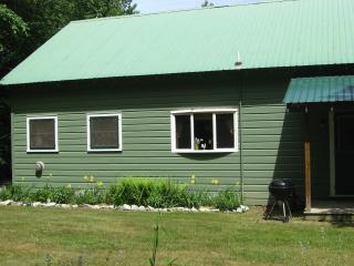 Eastward, delightful house on Paradox Lake