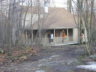 3 bedroom single house #457, Poconos PA, sleeps 10, Lackawaxen
