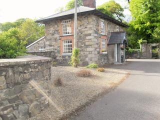 cloverhill gate lodge, Redhills