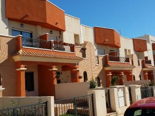 3 bedroom, town home close to beach and shops, Villamartin