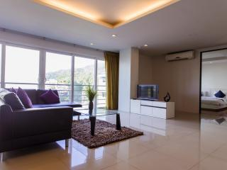Penthouse Minutes from Patong Beach!