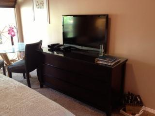 Flat screen 40 inch TV