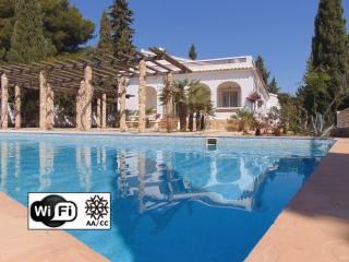 Villa La Siesta - Villa with pool and sea views