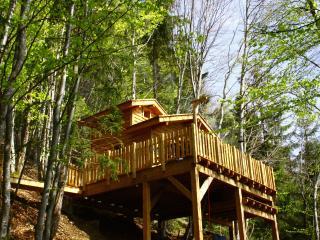 Là-Haut, cabanes dans les arbres avec spa