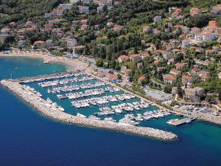 Rent apartment in Icici Croatia