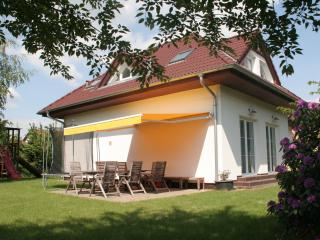 Prague Pruhonice Holiday Home