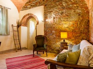 La Mora, apartment in Tuscan Farmhouse, Lucignano