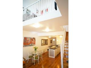 Light filled, spacious and central., Prahran