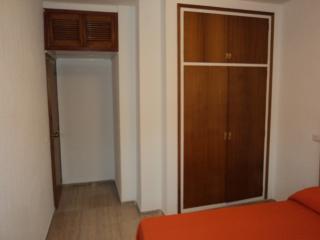 1 Dormitorio con armario empotrado