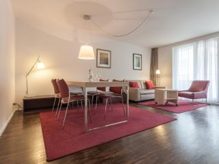 EMA House Serviced Apartment, Florastr. 30, 1BR, Zúrich