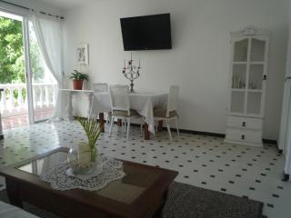 """The Angels"" Lovely Ideally located apartment"
