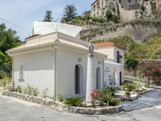 Residenza a due passi dal mare camera indaco, Tropea