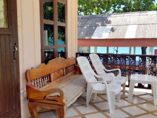 Lamai Beachside Wood Bungalow, Surat Thani