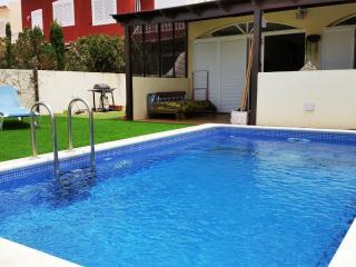 Preciosa Casa con Piscina en El Médano, Pelada, Granadilla de Abona