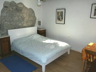 Sunny Apartment with terrace - sleeps 2, Kobarid