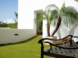 Luxurious garden apartment with amazing views close to Marbella
