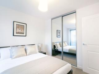 Central London Garden Terrace Apartment (Sleeps 4)