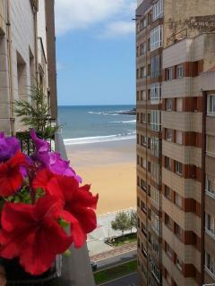 Terraza con vistas a la playa San Lorenzo