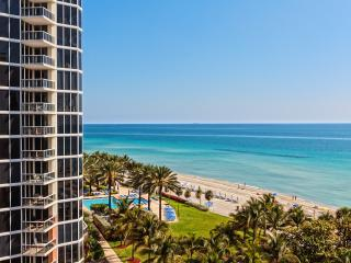 Just Renovated, 7th Floor unit right on the beach, Sunny Isles Beach