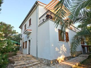 Family Apartment, Stari Grad