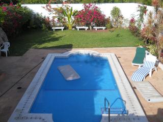 Casa Marcos luxury home, pool and garden, Cozumel