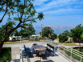 Spacious apt with terrace and beautiful sea view Senj, Hrvatska