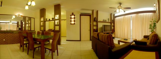 Comfort Living & Dining Area