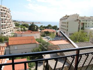 Studio Apartment Lola with sea view Makarska