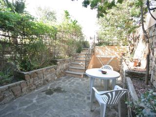 Spacious apartment in Sardinia island (sea side)!, Tanaunella