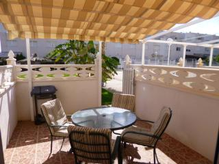 BUNGALOW 100 m to the BEACH, close PIER, Pool ,, Campello