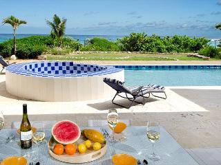 Impressive NEW 5 bedroom, 5.5 Bathroom loctaed on the beach!, St-Martin/St Maarten