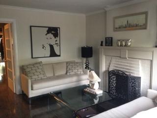 Luxurious & Modern at Yonge and Eglinton, Toronto